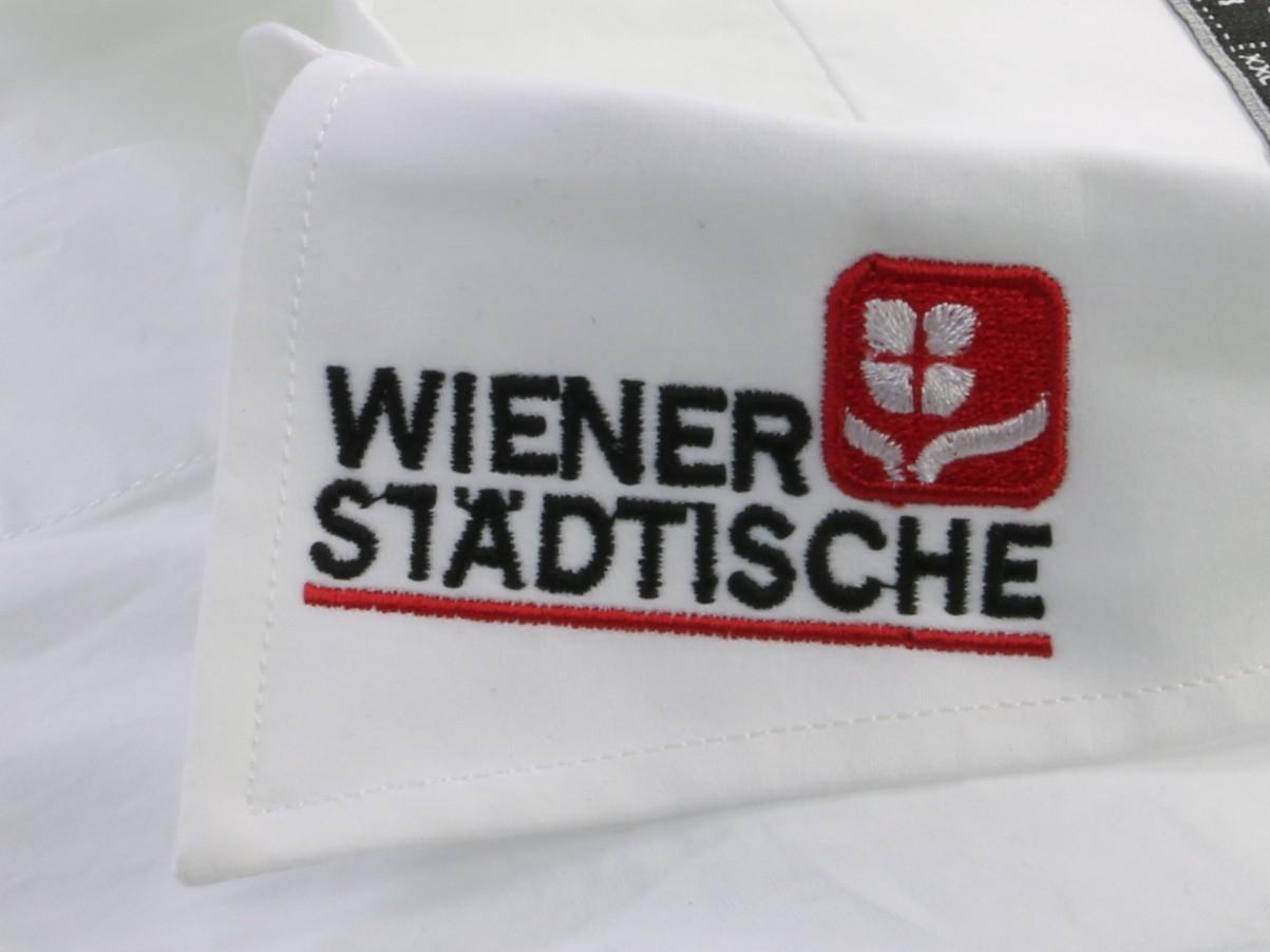 Wiener Staedtische Kragen